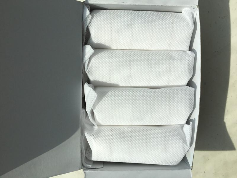 non-woven-cloth-bag-in-white-box